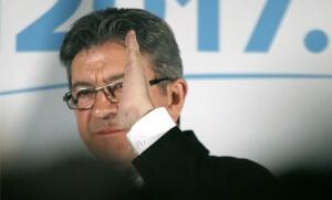 Jean-Luc Mélenchon file droit, avril 2017. SIPA. AP22043998_000001