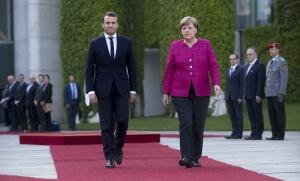 Emmanuel Macron et Angela Merkel lors de leur rencontre du 15 mai 2017. SIPA. 00806726_000004