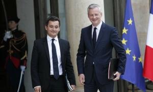 Gérald Darmanin et Bruno Le Maire sur le perron de l'Elysée, mai 2017. SIPA. AP22054527_000013