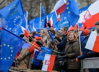 pologne europe macron le pen