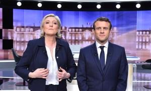 Marine Le Pen et Emmanuel Macron avant le débat de l'entre-deux-tours de la présidentielle 2017, mai 2017. SIPA. 00805008_000003