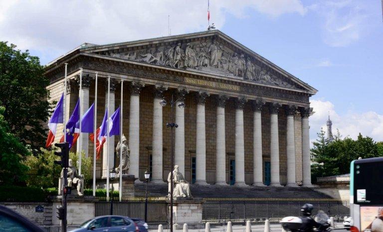 Amendements parlementaires à vendre, 2500€ les six?