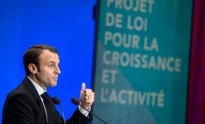 """Emmanuel Macron présente la """"loi travail"""" à Paris, décembre 2014. SIPA. 00699762_000020"""