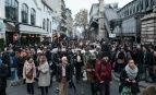 """Manifestation de """"bienvenue aux migrant-e-s"""" à Barbès, Paris, novembre 2016. Photo: @citizenside.com"""