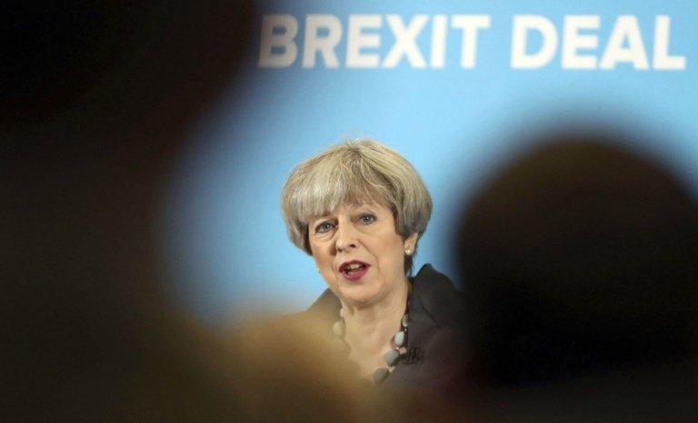 Législatives au Royaume-Uni: le vent se lève face à Theresa May