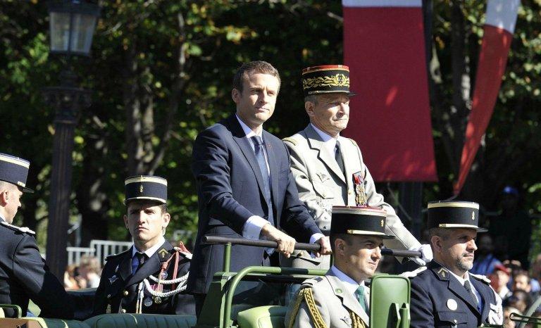 Armée, Vel' d'Hiv: quand Macron joue au petit chef