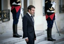 macron internet communication