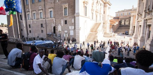 turin trieste italie migrants