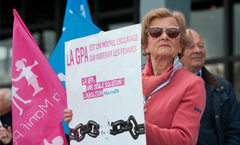 Il faut autoriser (et encourager) la GPA en France