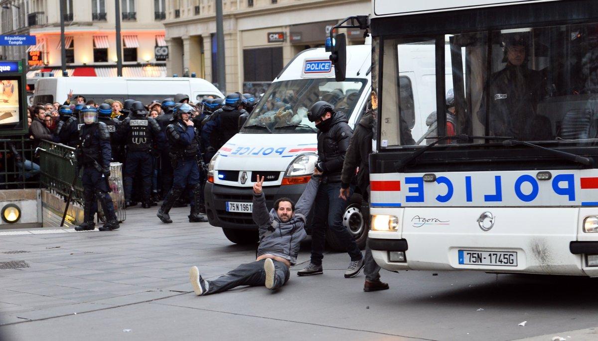 """La """"Marche pour le climat"""", en marge de la COP21, annulée en raison de l'état d'urgence, Paris, novembre 2015. / MUSTAFA YALCIN"""
