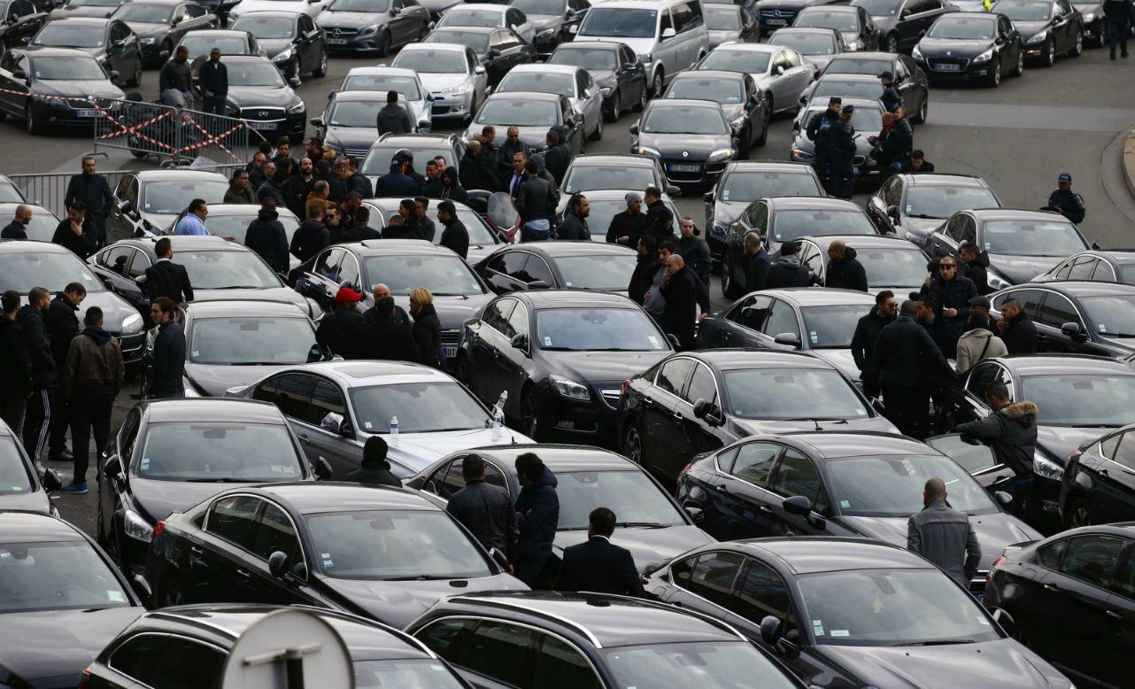 Uber doit se plier aux mêmes règles européennes que les taxis