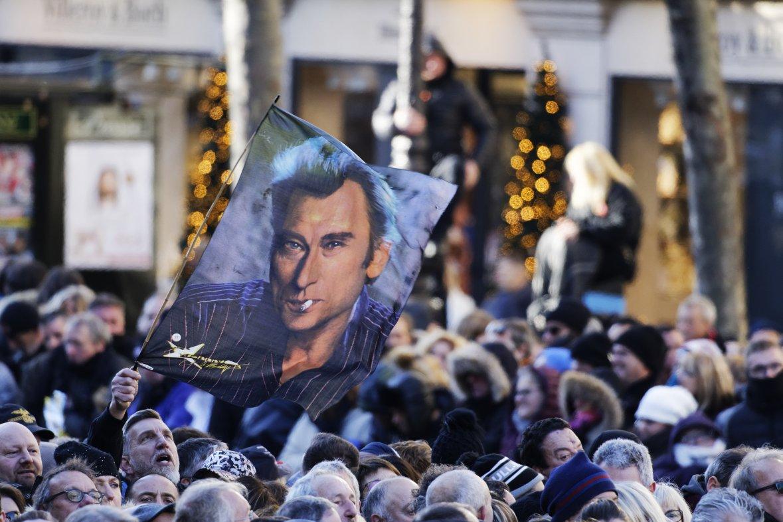 Hommage à Johnny Hallyday, place de la Madeleine à Paris, 9 décembre 2017. / CITIZENSIDE Bernard Ménigault