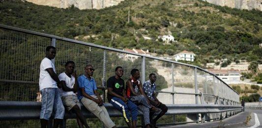Vintimille, 8 août 2017: des centaines de migrants tentent quotidiennement de franchir la frontière française. Photo: Marco Bertorello