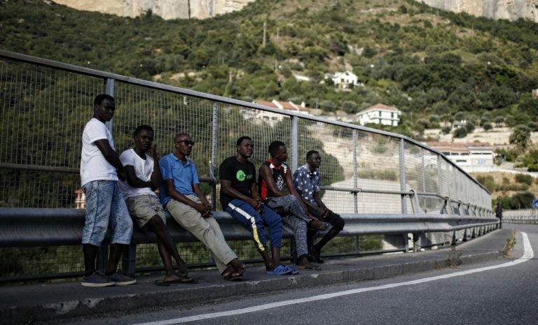 """Vintimille, le """"Calais italien"""" déborde"""