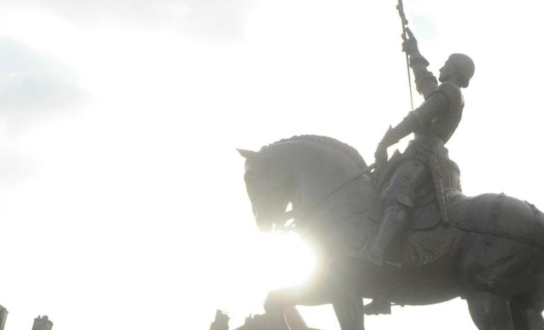 Je n'ai rien contre Mathilde mais le choix d'une Jeanne d'Arc métisse n'est pas anodin