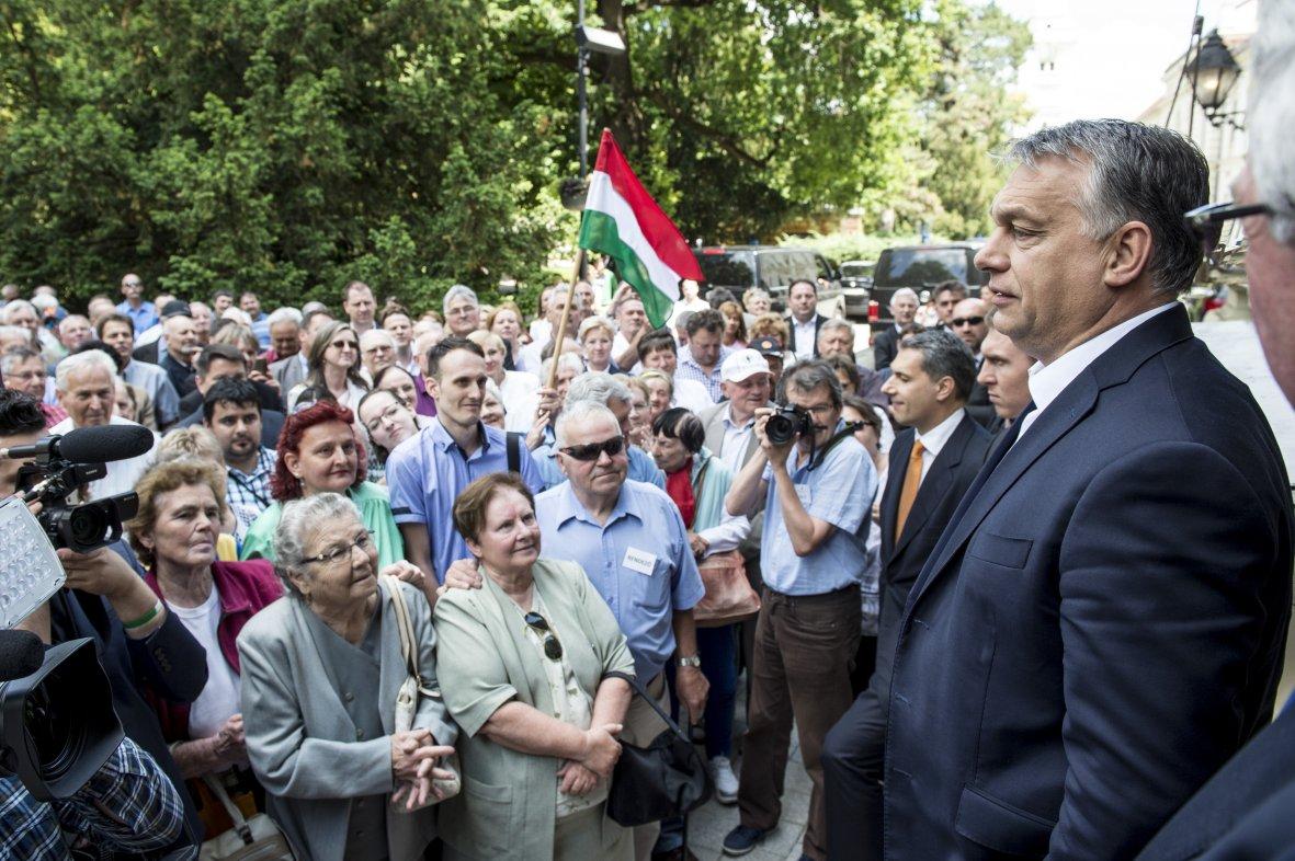 Le parti d'Orban donné vainqueur — Elections en Hongrie