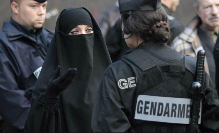"""Le """"séparatisme islamiste"""" n'avance pas masqué, il est flamboyant"""