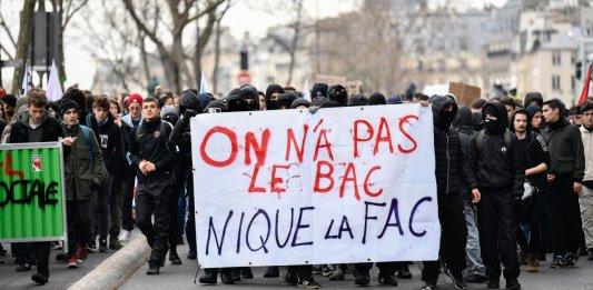 """Résultat de recherche d'images pour """"cheminots greve peinture"""""""