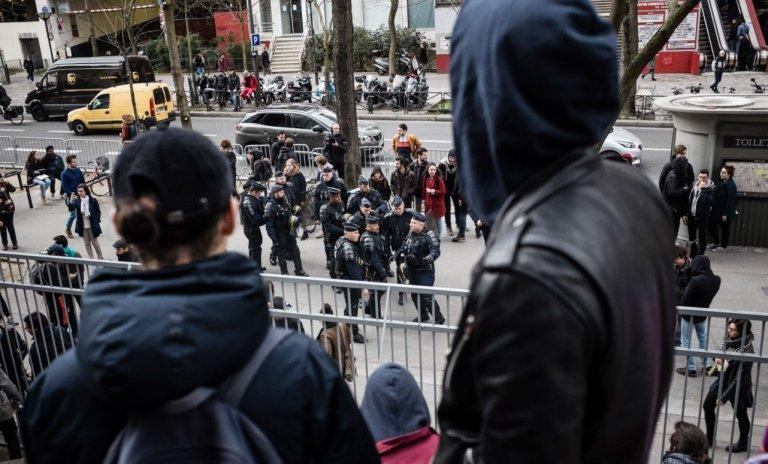 Petits bourgeois pas contents organisent ateliers potager et graffitis dans les facs de Paris