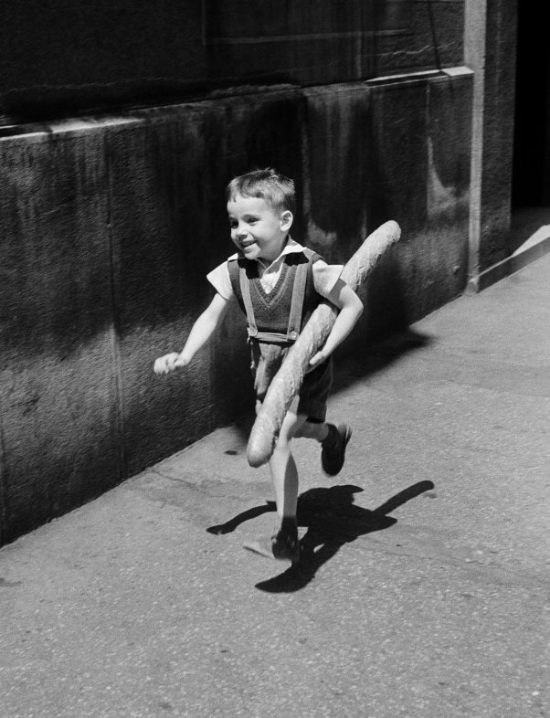 WILLY RONIS Le petit Parisien, 1952 The little Parisian boy, 1952 © Ministère de la Culture - Médiathèque de l'architecture et du patrimoine, dist. RMN-GP, donation Willy Ronis