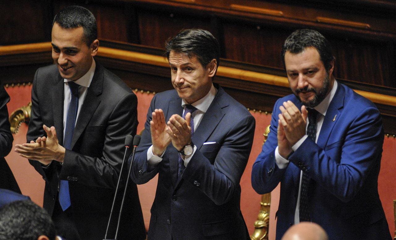 Giuseppe Conte et ses ministres<br />les vrais chacals du coronavirus» title=»Giuseppe Conte et ses ministres<br />les vrais chacals du coronavirus»></div><div class=