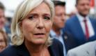 Marine Le Pen envoyée devant le psychiatre: on est chez les fous!