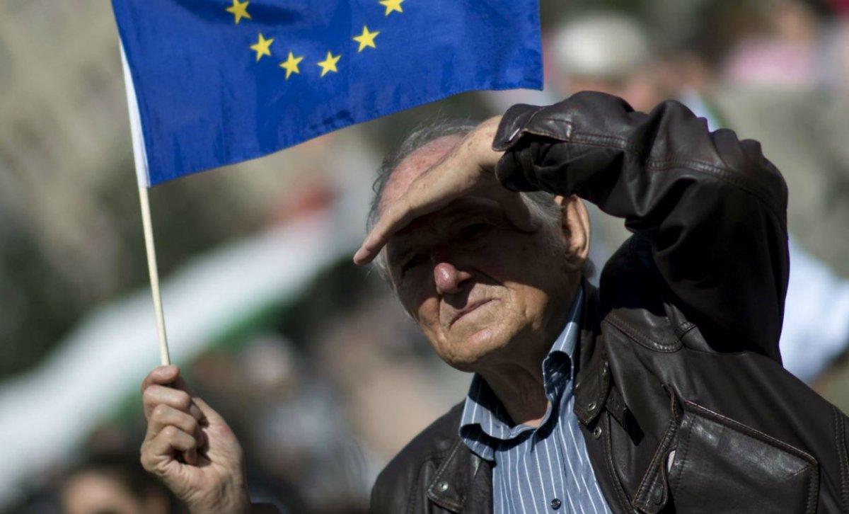 https://www.causeur.fr/wp-content/uploads/2018/10/euro-zone-union-monetaire-sortie-1200x726.jpg