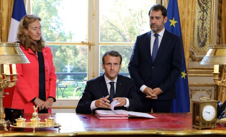 Remaniement: et à la fin, c'est encore Macron le patron