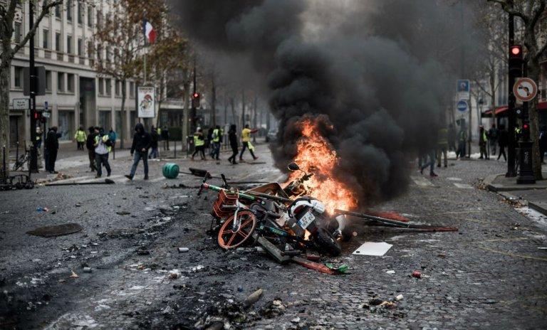 Gilets jaunes vs Macron: si les banlieues s'en mêlent…