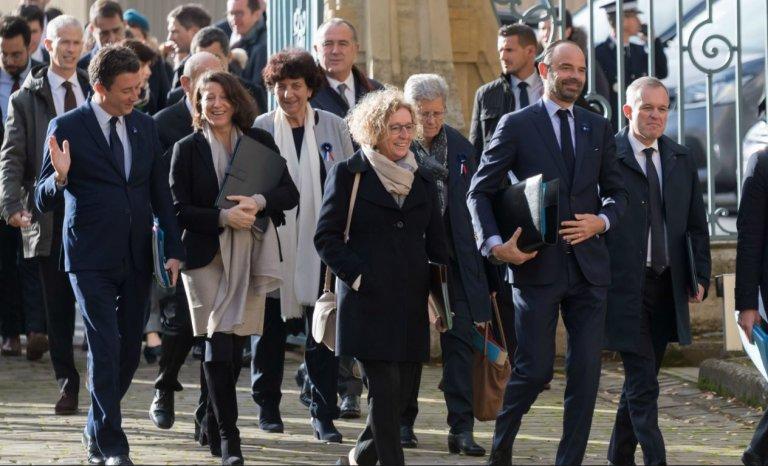 LREM prend ses précautions et vote l'interdiction de la fessée