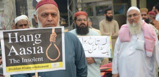 Des islamistes réclament la pendaison de la chrétienne Asia Bibi, Lahore, Pakistan, novembre 2018. ©Rana Sajid Hussain/SIPA / 00882824_000001
