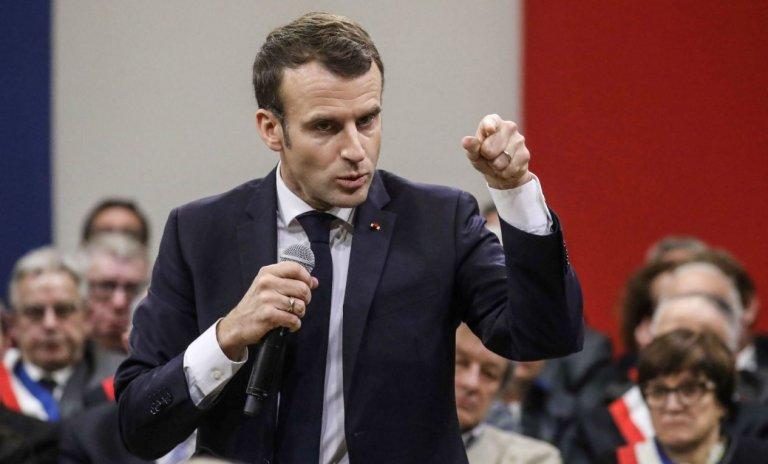Macron: sa grande campagne nationale est-elle légale?