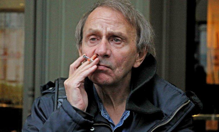 Michel Houellebecq, un gilet jaune qui scie Niort