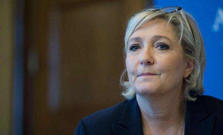 """Marine Le Pen: """"Macron a associé le pire de la droite et le pire de la gauche"""""""