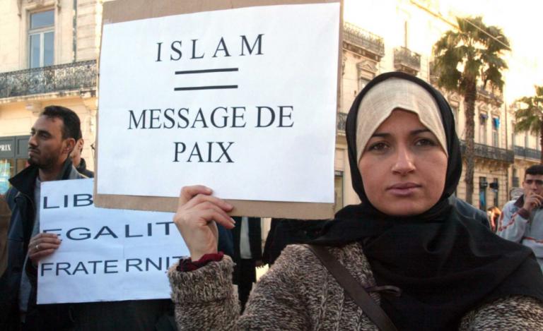 """""""Islamisation française"""", 40 ans de soumission médiatique"""