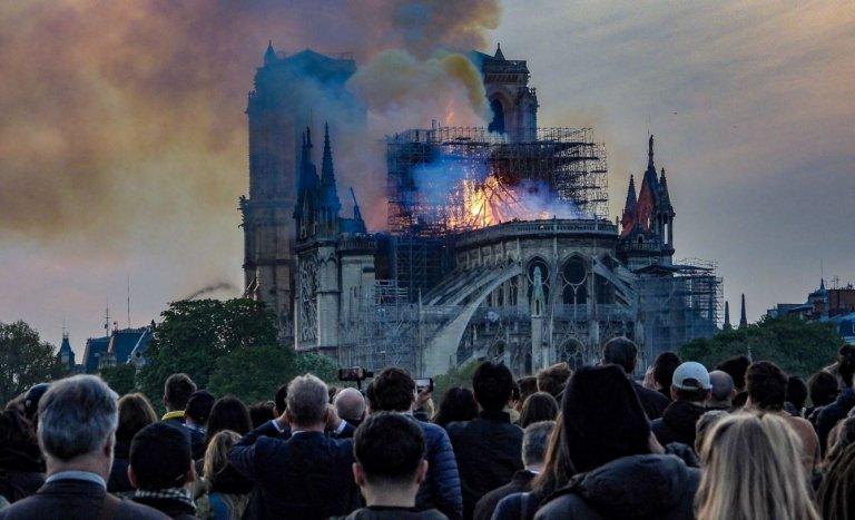 La France n'a pas attendu la tragédie de Notre-Dame pour tomber en ruines