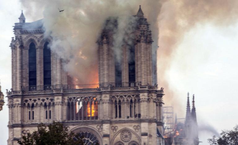 Notre-Dame de Paris : la France brûle