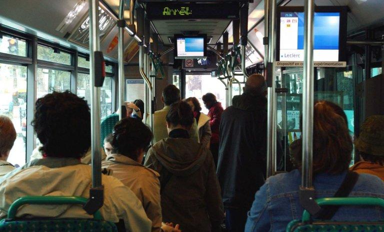 """Chauffeurs de bus RATP: la """"jupe trop courte"""" qui cache la forêt"""