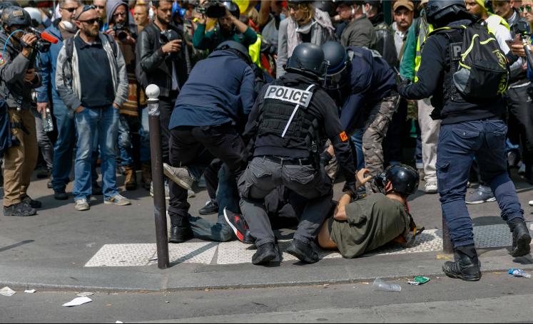 macron castanar violences policieres