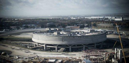 roissy terminal beton aeroport