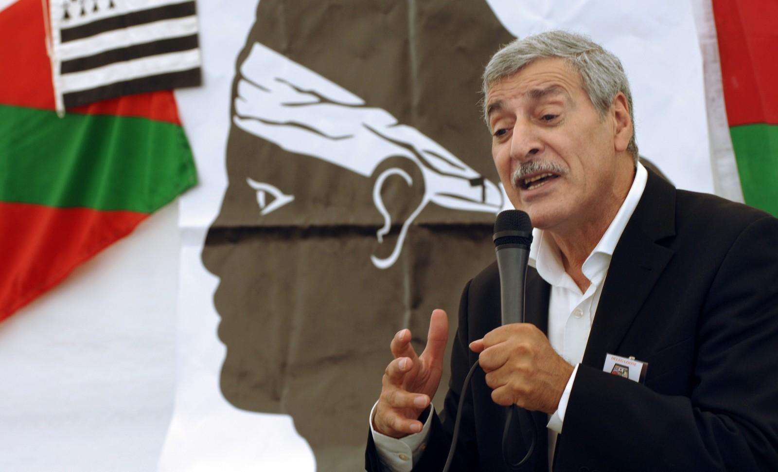 Ferhat Mehenni, du mouvement pour l'autonomie de la Kabylie (MAK), en août 2009 © AFP STEPHAN AGOSTINI