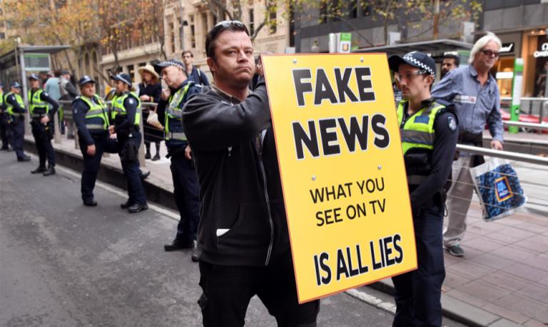 """Dans l'enfer des """"fake news"""""""