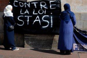 Rassemblement contre la loi de 2004 interdisant les signes religieux à l'école, dote loi Stasi, Toulouse, 2 avril 2011. Photo : AFP PHOTO / REMY GABALDA