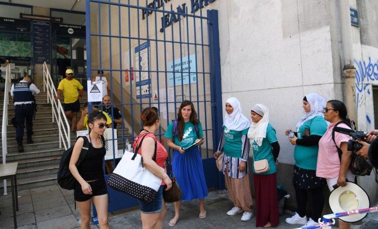 Grenoble: le burkini contre la République