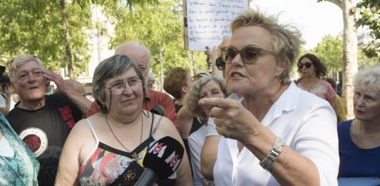 Exaltée contre les féminicides le 06/07 à Paris, Muriel Robin n'a plus envie de rire ©PATRICK GELY / SIPA Numéro de reportage  : 00915413_000012