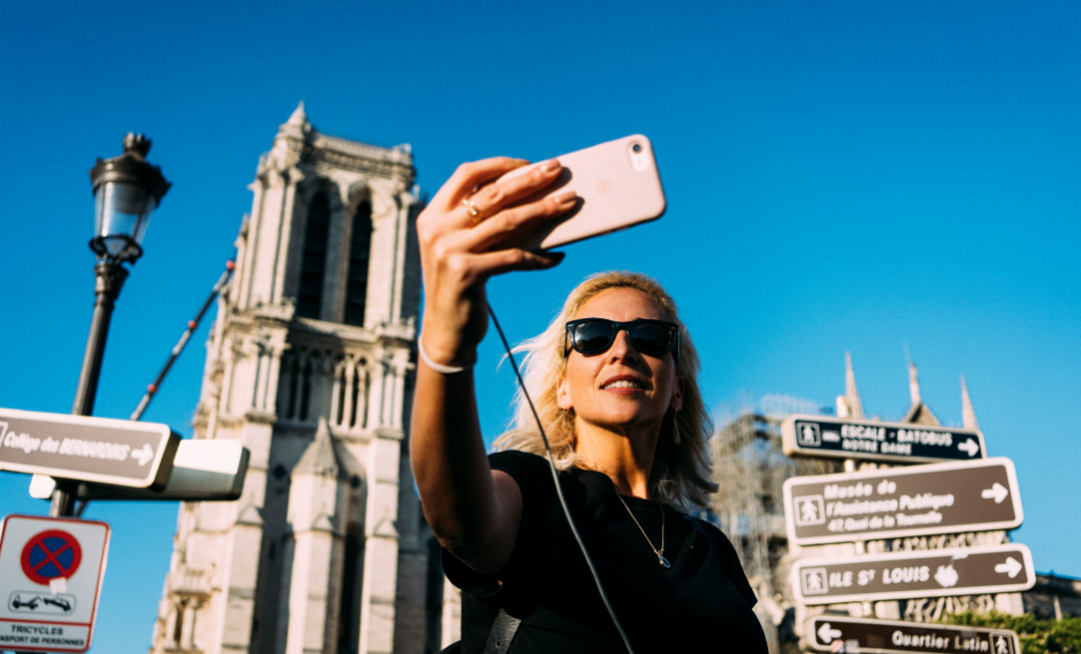 Parvis de la cathédrale Notre-Dame de Paris, 20 avril 2019. Photo: Denis Meyer / Hans Lucas / AFP