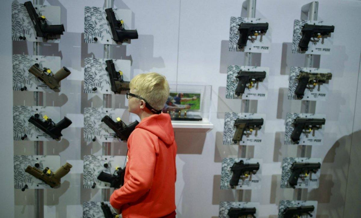 armes usa dayton constitution