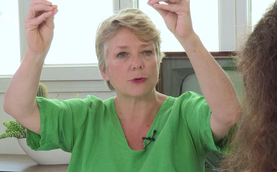 Jamais à court d'arguments et pleine de conviction, il n'est pas certain que Catherine Tricot de Regards parvienne Elisabeth Lévy de voter à gauche aux prochaines élections