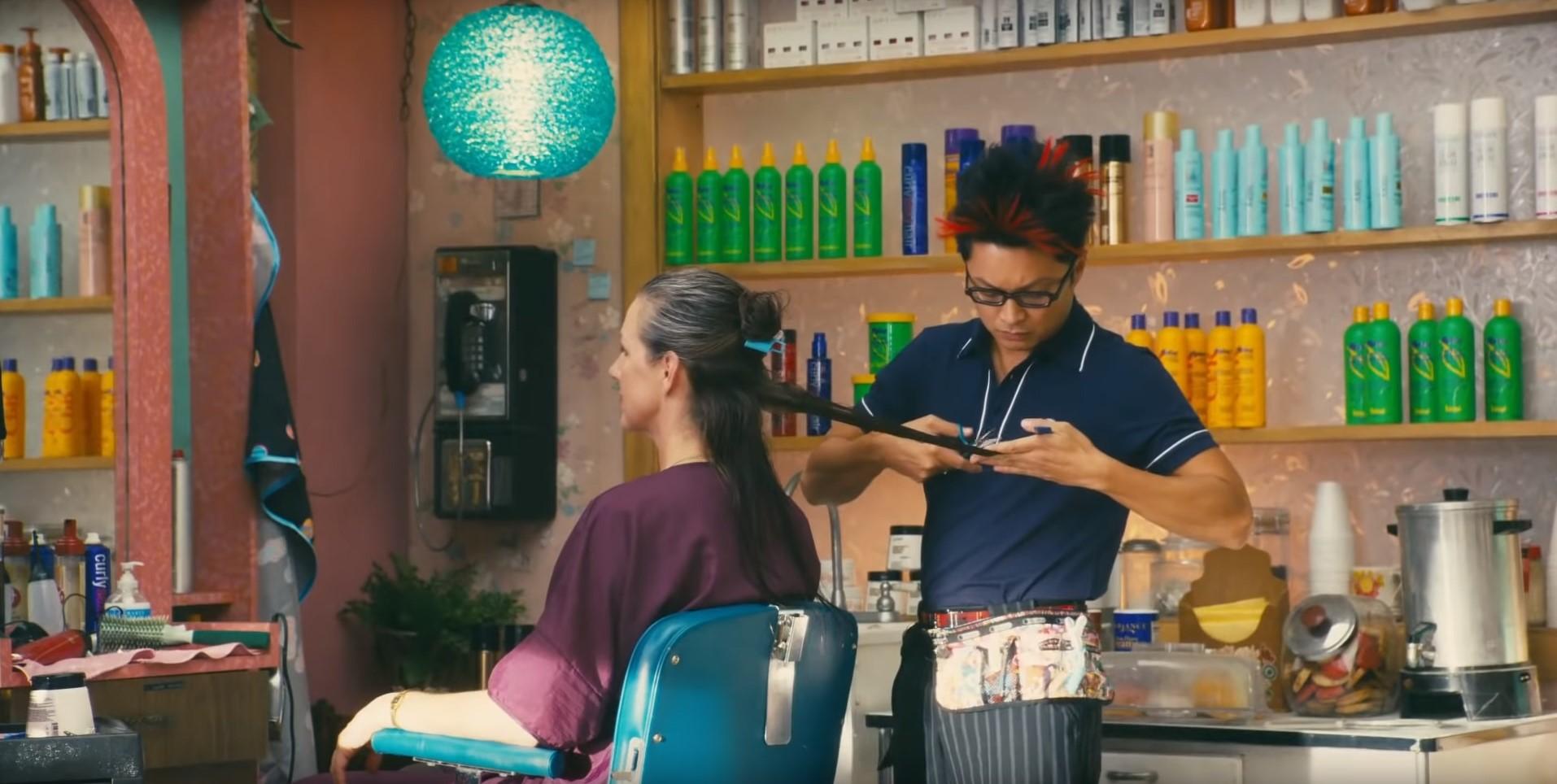 """FIlm """"Rien que pour vos cheveux"""". Image: capture d'écran YouTube"""