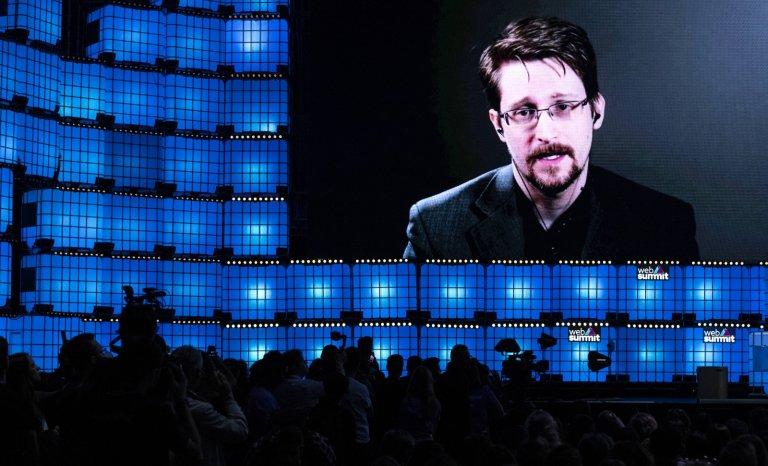 """""""La France devrait accorder l'asile politique à Edward Snowden"""""""